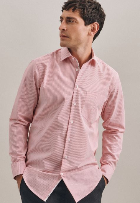 Chemise droite fines rayures rouges